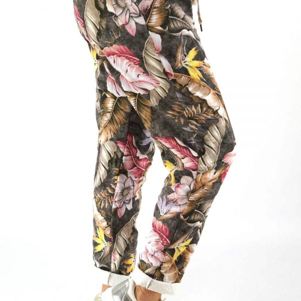 stoffhose-flora-anthrazit-blumenprint_seniera-design_mi-sabor